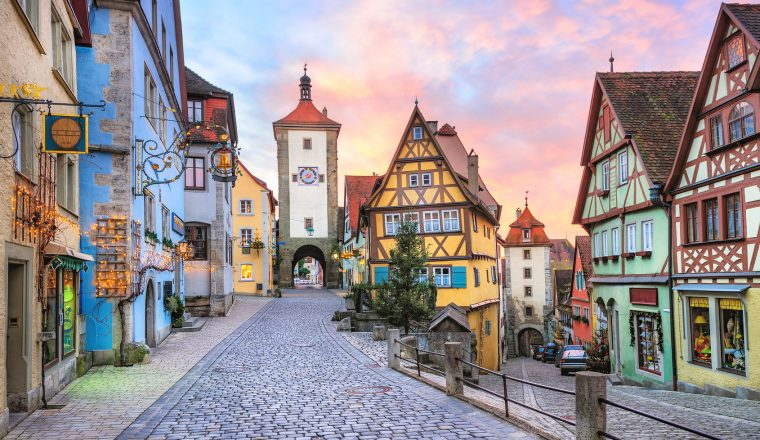 Language Mini Guides for a European Holiday