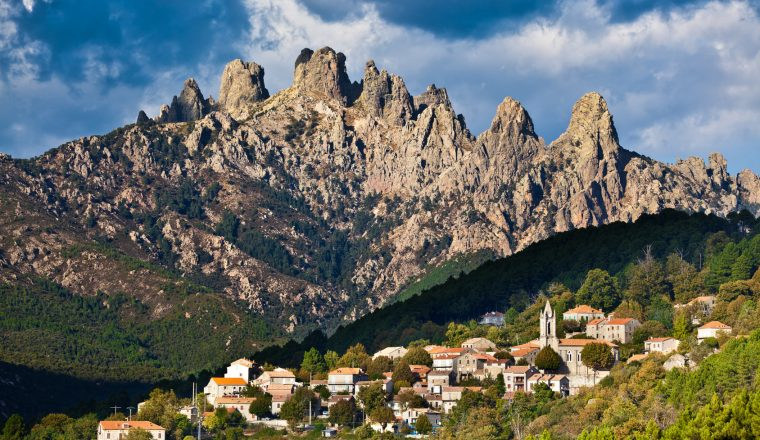 Aiguilles de Bavella, village de Zonza, Corse