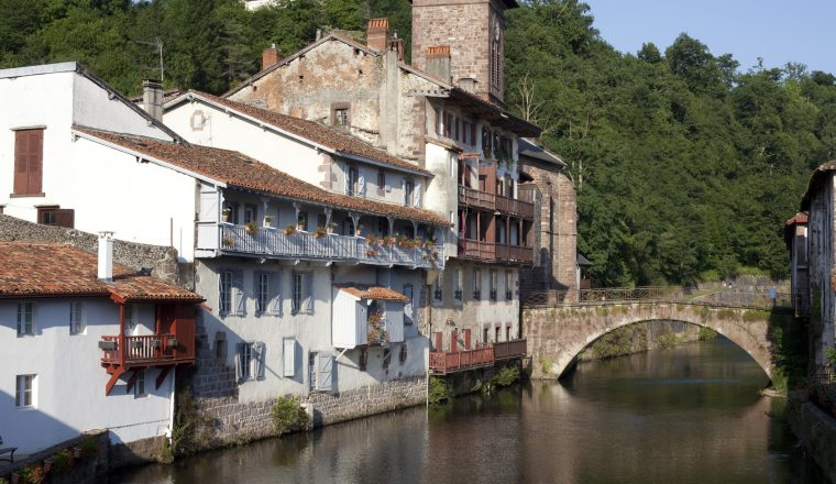 Le puy to st jean pied de port world walks - Train from bayonne to st jean pied de port ...