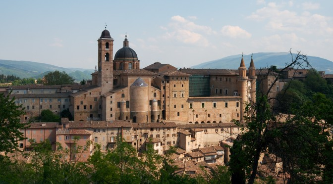 Le Terre del Duca – A walk from Fonte Avellana to Urbino