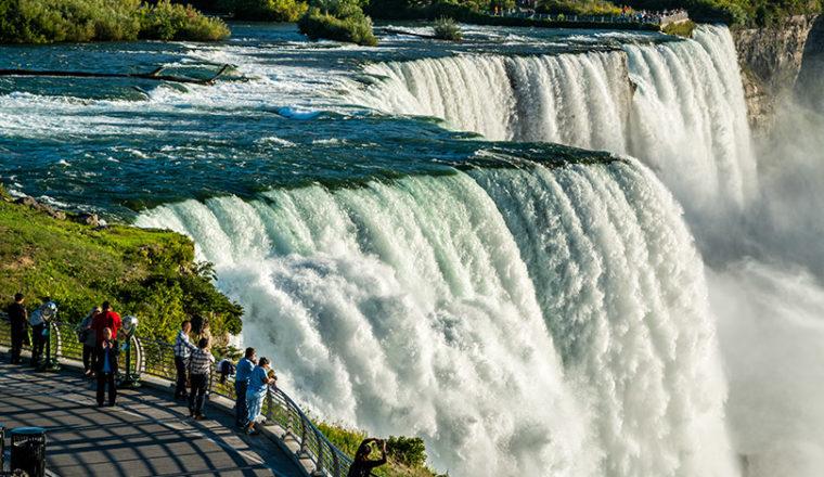 How to best view Niagara Falls