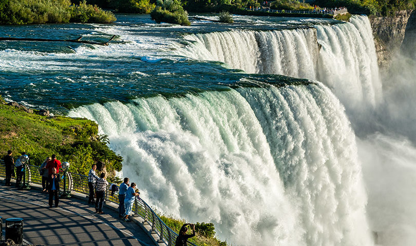 How to best view Niagara Falls